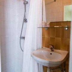 Отель Hôtel Exelmans 2* Стандартный номер с различными типами кроватей фото 7