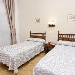 Отель Hostal Biarritz Испания, Мадрид - отзывы, цены и фото номеров - забронировать отель Hostal Biarritz онлайн комната для гостей фото 5