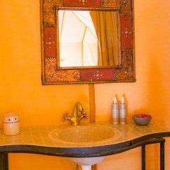 Отель Merzouga Luxury Camp Марокко, Мерзуга - отзывы, цены и фото номеров - забронировать отель Merzouga Luxury Camp онлайн ванная
