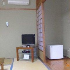 Отель Fujiwara Ryokan 3* Номер с общей ванной комнатой фото 4