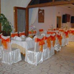 Отель Guesthouse Familja Албания, Берат - отзывы, цены и фото номеров - забронировать отель Guesthouse Familja онлайн помещение для мероприятий