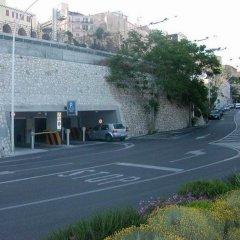 Отель Qaral Bed and Breakfast парковка