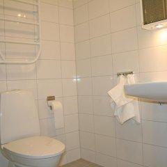 Отель Torslanda Studios Швеция, Гётеборг - отзывы, цены и фото номеров - забронировать отель Torslanda Studios онлайн ванная фото 2