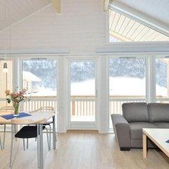Отель Tromsø Camping Улучшенный коттедж с различными типами кроватей фото 15
