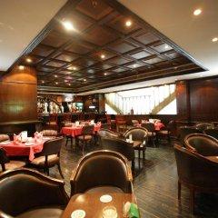 Отель Imperial Suites Hotel ОАЭ, Дубай - отзывы, цены и фото номеров - забронировать отель Imperial Suites Hotel онлайн гостиничный бар