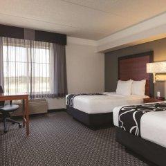 Отель La Quinta Inn & Suites Dallas North Central 2* Стандартный номер с различными типами кроватей фото 3