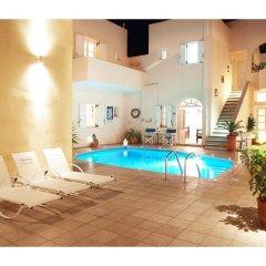 Reverie Santorini Hotel бассейн