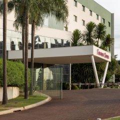 Отель Comfort Suites Londrina парковка