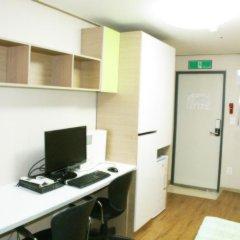 Отель Patio 59 Hongdae Guesthouse 2* Стандартный номер с различными типами кроватей фото 19