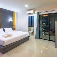 Отель Phoomjai House 3* Улучшенный номер с различными типами кроватей фото 6