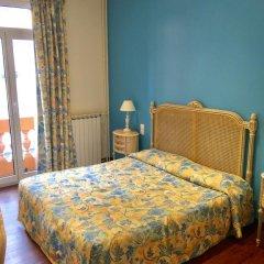 Отель Hôtel Lépante 2* Улучшенный номер с различными типами кроватей фото 9
