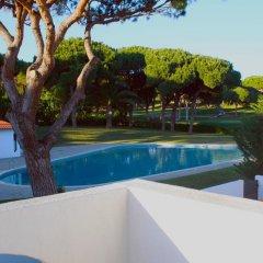 Отель Golf Villa бассейн