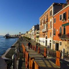 Отель Corte Dei Servi Италия, Венеция - отзывы, цены и фото номеров - забронировать отель Corte Dei Servi онлайн приотельная территория