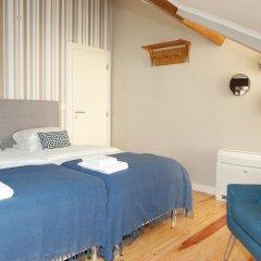 Отель Flores Guest House 4* Стандартный номер с двуспальной кроватью фото 9