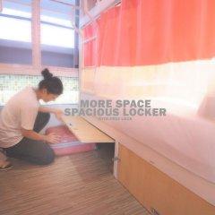 Отель Glur Bangkok Кровать в женском общем номере двухъярусные кровати фото 8