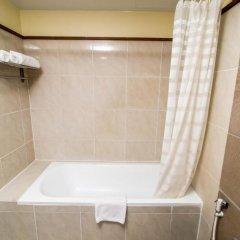 Отель Sea Breeze Jomtien Resort 4* Улучшенный номер с различными типами кроватей фото 8