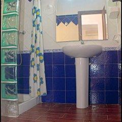 Отель Chalet Bungalow La Roa Испания, Кониль-де-ла-Фронтера - отзывы, цены и фото номеров - забронировать отель Chalet Bungalow La Roa онлайн сауна