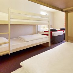 Отель Campanile Val de France 3* Стандартный номер с двухъярусной кроватью фото 6