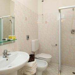 Hotel Stockholm Di Binotti Morena Римини ванная