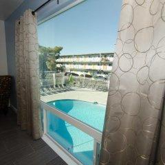 Thunderbird Hotel бассейн фото 2