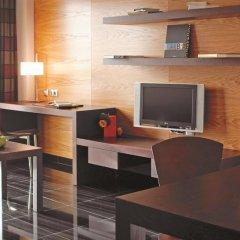 Отель Hesperia Fira Suites 5* Стандартный номер с различными типами кроватей фото 5