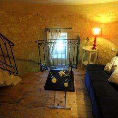Отель Clos Moulin Du Cadet Франция, Сент-Эмильон - отзывы, цены и фото номеров - забронировать отель Clos Moulin Du Cadet онлайн комната для гостей фото 3