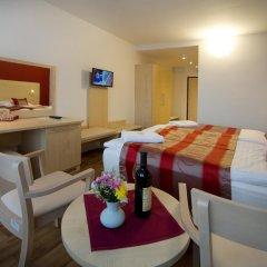 Hotel Krystal 3* Улучшенный номер с двуспальной кроватью
