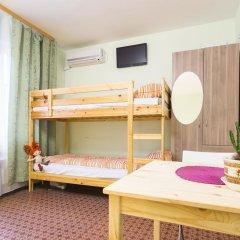 Хостел Олимп Стандартный семейный номер с двуспальной кроватью (общая ванная комната) фото 6