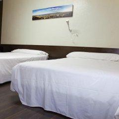 Отель Hostal Paris Стандартный номер с различными типами кроватей фото 2