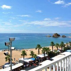 Отель Aiguaneu La Sardana Испания, Бланес - отзывы, цены и фото номеров - забронировать отель Aiguaneu La Sardana онлайн пляж