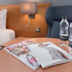 Отель Holiday Inn London Kensington Forum 4* Люкс с различными типами кроватей фото 13