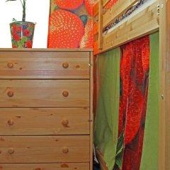 Хостел Friday Кровать в общем номере с двухъярусными кроватями фото 14