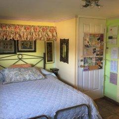 Отель Diana's Luxury Bed and Breakfast Канада, Ванкувер - отзывы, цены и фото номеров - забронировать отель Diana's Luxury Bed and Breakfast онлайн комната для гостей фото 5