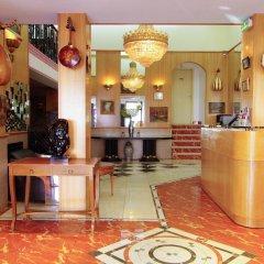 Отель Le Clery интерьер отеля фото 3