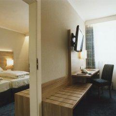 Hotel Jedermann 2* Стандартный семейный номер с двуспальной кроватью фото 14