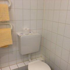 Hotel Schwarzer Bär 3* Стандартный номер с 2 отдельными кроватями (общая ванная комната) фото 6