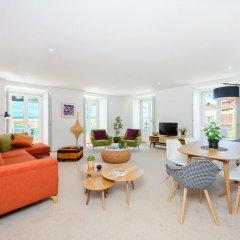 Отель Martinhal Lisbon Chiado Family Suites 5* Улучшенные апартаменты с различными типами кроватей фото 6