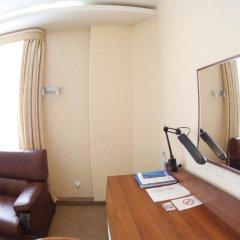 Гостиница Николь 3* Стандартный семейный номер с двуспальной кроватью фото 3