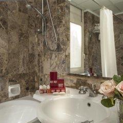 Отель Nord Nuova Roma 3* Улучшенный номер с различными типами кроватей фото 7