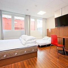 Отель Omena Hotel Yrjonkatu Финляндия, Хельсинки - 9 отзывов об отеле, цены и фото номеров - забронировать отель Omena Hotel Yrjonkatu онлайн комната для гостей фото 5