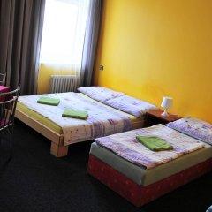 Hostel Alia Стандартный номер с двуспальной кроватью (общая ванная комната) фото 3