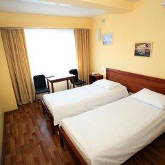 Гостиница Дискавери Стандартный номер с 2 отдельными кроватями