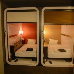 Отель First Cabin Tsukiji Капсула в мужском общем номере фото 3