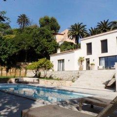 Отель Confiance Immobiliere - La Villa Saint Antoine бассейн
