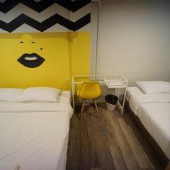 BRB Hostel Bangkok Silom Стандартный номер с различными типами кроватей (общая ванная комната)