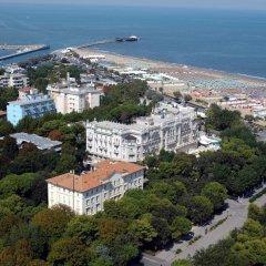 Отель Grand Hotel Rimini Италия, Римини - 4 отзыва об отеле, цены и фото номеров - забронировать отель Grand Hotel Rimini онлайн пляж