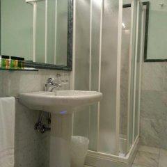Отель La Mela ванная фото 2