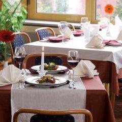 Отель Samokov Болгария, Боровец - 1 отзыв об отеле, цены и фото номеров - забронировать отель Samokov онлайн питание фото 3