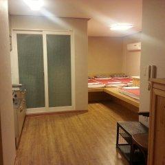 Отель Bong House Стандартный семейный номер с двуспальной кроватью фото 2