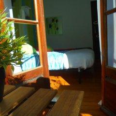 Отель Alfama 3B - Balby's Bed&Breakfast Стандартный номер с 2 отдельными кроватями (общая ванная комната) фото 24